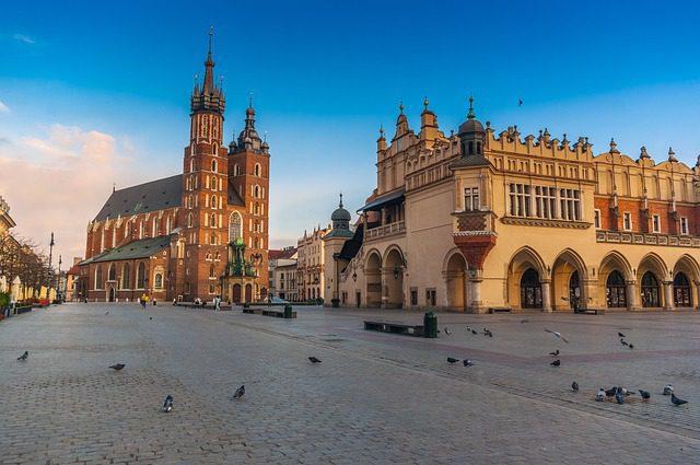 Polonia, plaza del Mercado de Paños e Iglesia Mariaki en Cracovia / autor de la imagen: Konrad Krajewski